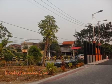 Jembatan WLK dan Taman Wisata Regency