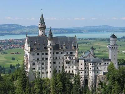 http://4.bp.blogspot.com/--TSJpBR2JKQ/TkTY-Q0-voI/AAAAAAAADdA/iyQfzL9gF4Q/s640/Germany-Castle.jpg