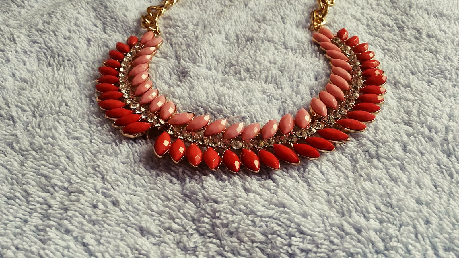 Pinki náhrdelník- očarí hneď na prvý pohľad :)