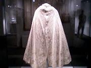 As 3 primeiras são fotos de capa de senhora, julgo que feita de algodão . (fotos )