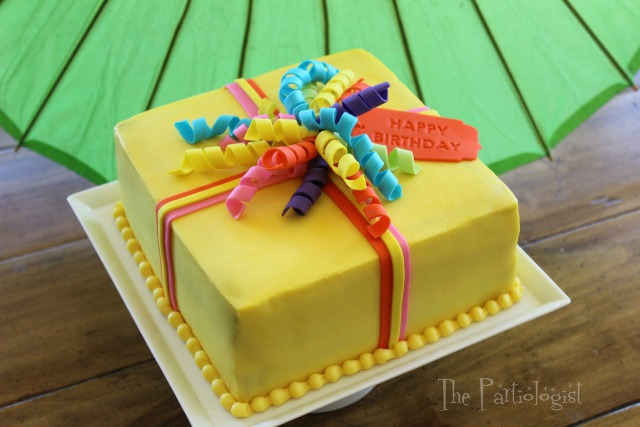 Cake Decorating Edible Ribbon : The Partiologist: This Gift Takes the Cake!