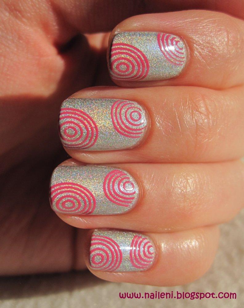 nails reloaded - Nageldesign: Holografie unter pinken Kreisen