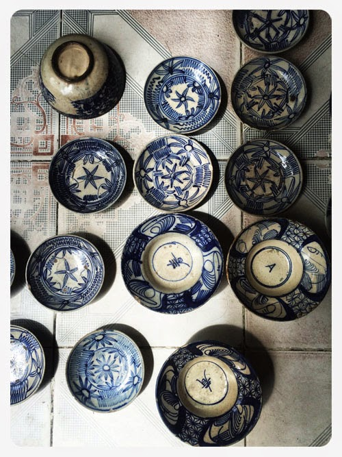vintage blue and white plates via small acorns blog