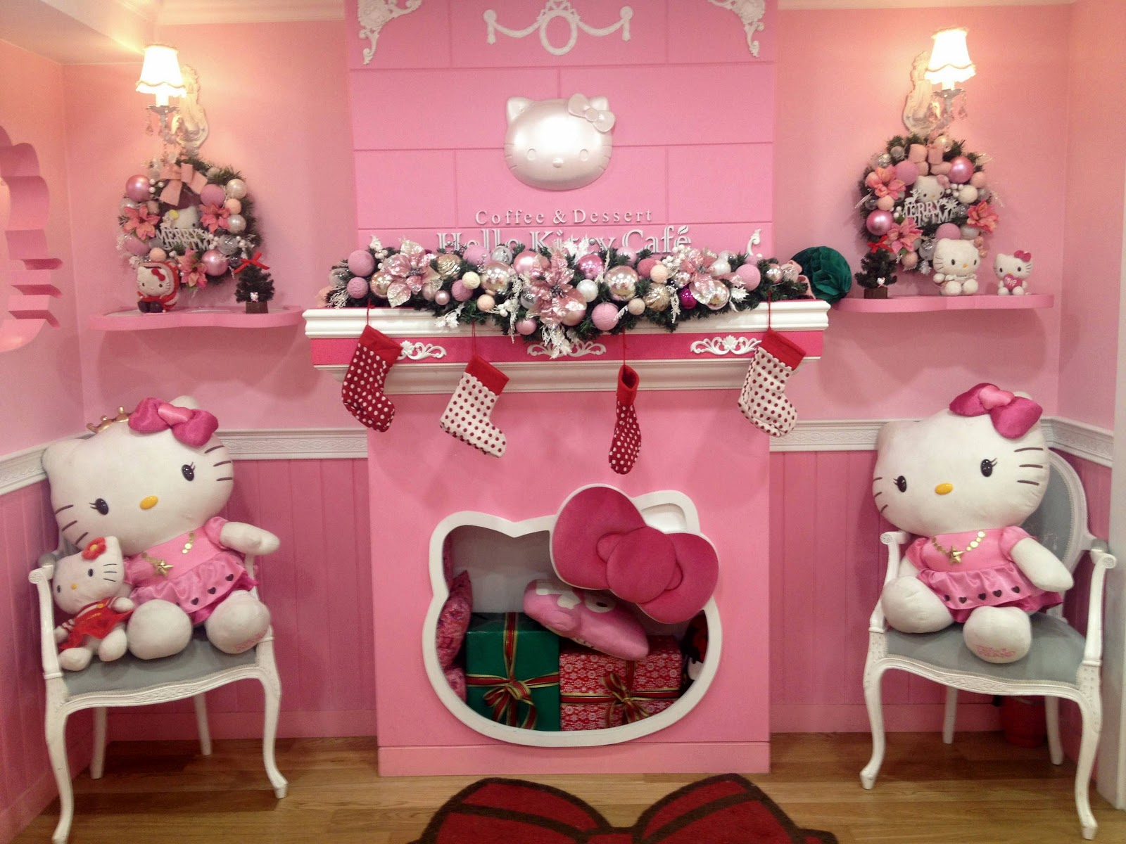 joilynn: christmas eve at 헬로키티 카페 홍대 hello kitty cafe