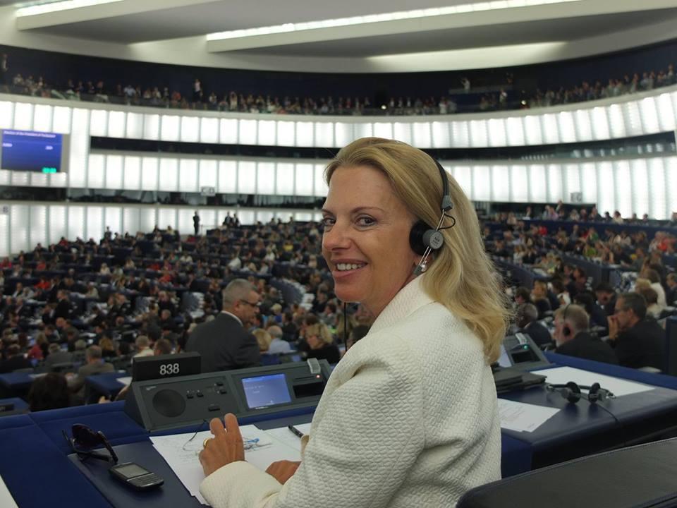 Συνεντευξη Ελιζας Βοζεμπεργκ