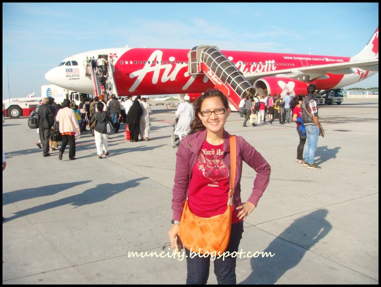 http://4.bp.blogspot.com/--UGnbCrMqhE/Tx2JSsnz_JI/AAAAAAAAH7Y/nK9CCthV8pc/s1600/LCCT%2BAirAsia.jpg