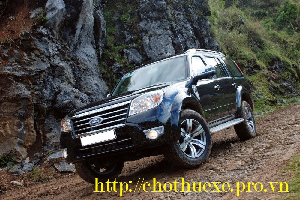 Cho thuê xe 7 chỗ giá rẻ các xe Fortuner, Innova, Everest tại Đức Vinh