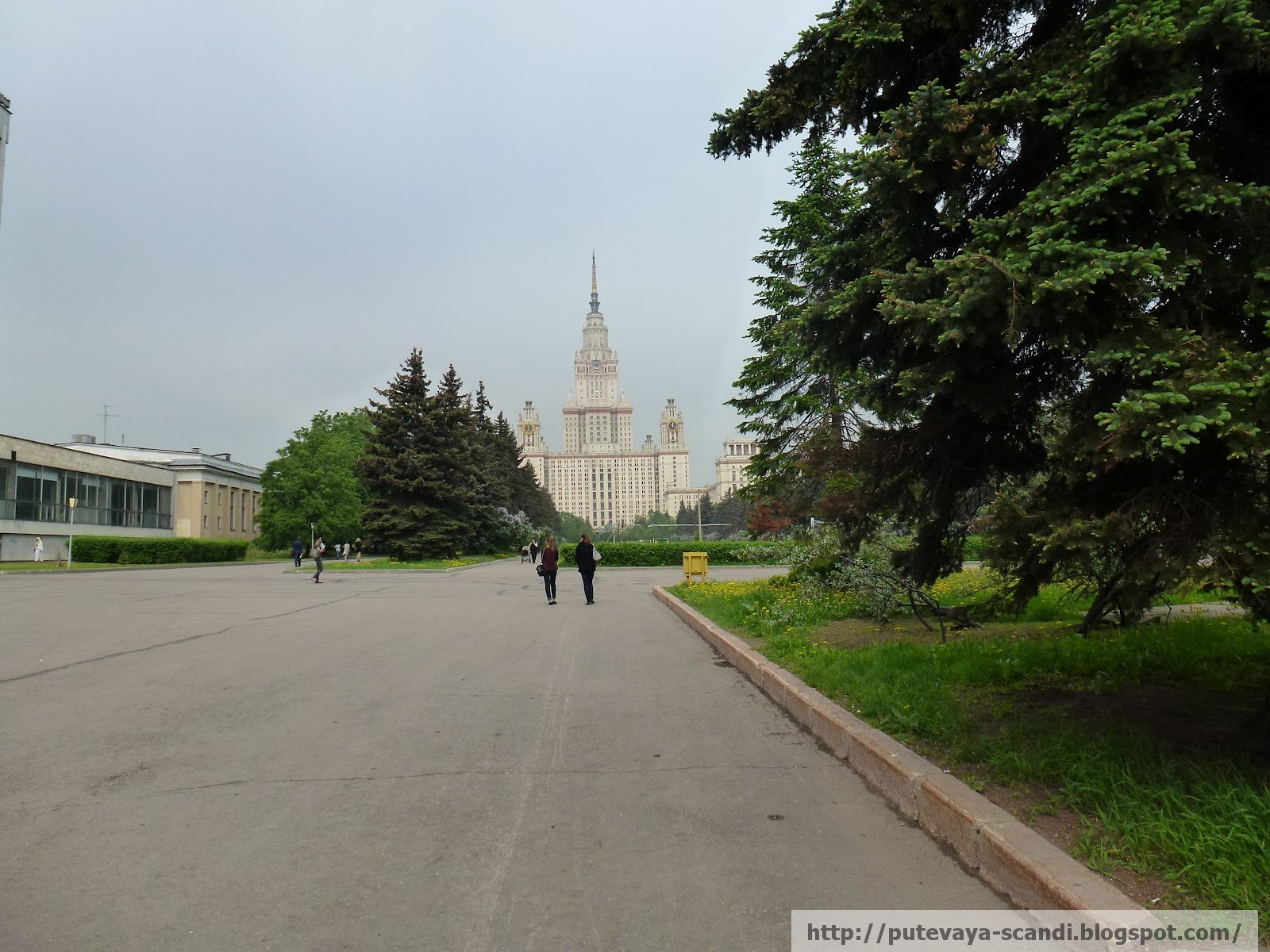 Главное здание МГУ