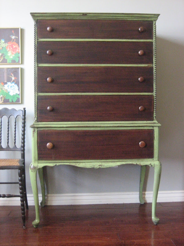 Beaded Trim Work Down Sides Pretty Queen Anne Legs Standing Tall Making This A Nice Size Large Dresser Notice The Stand As Chair Seat