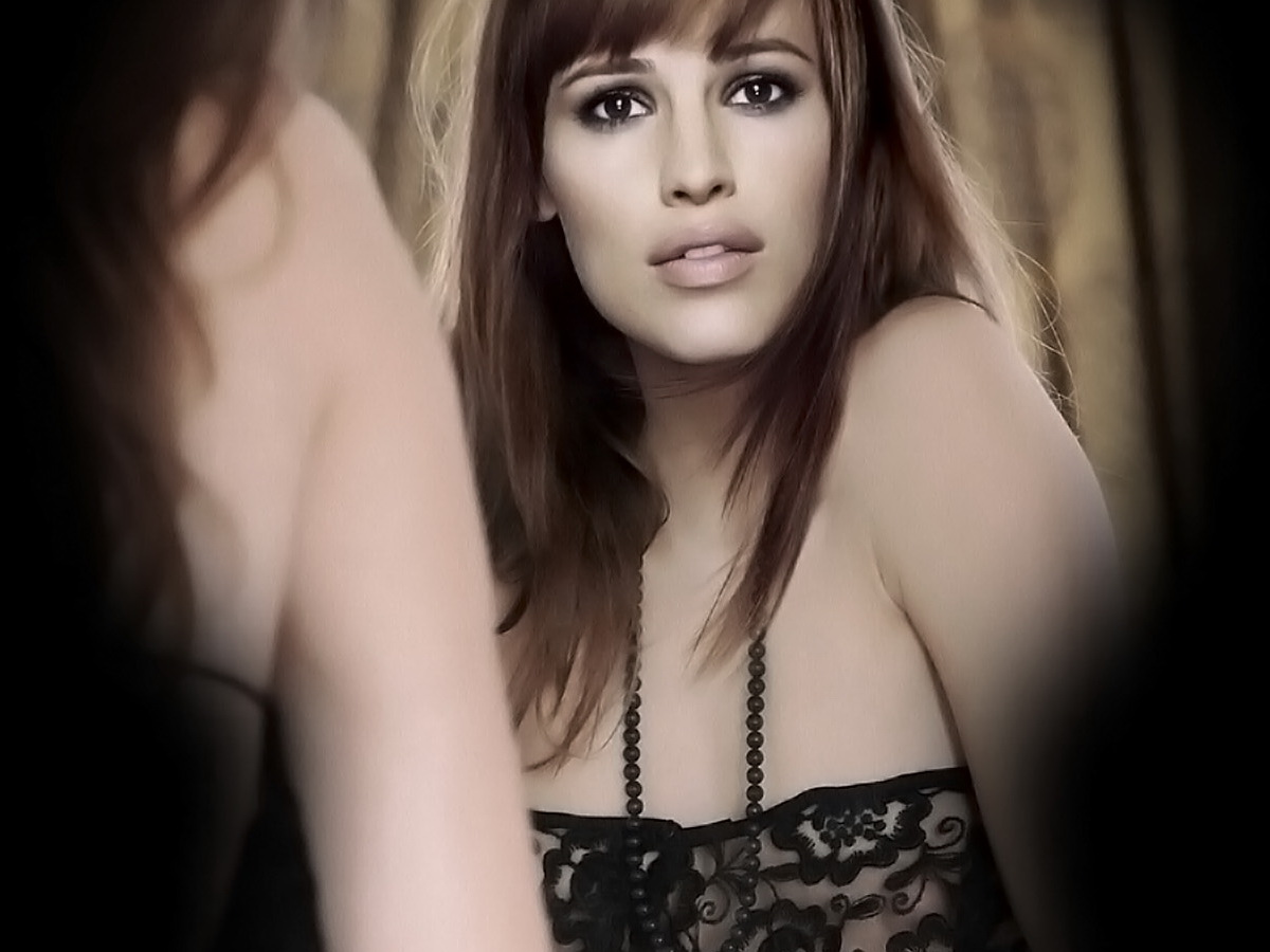 http://4.bp.blogspot.com/--V2dMRksNdo/TpQTLCoVu_I/AAAAAAAACQA/M75TZujUQfs/s1600/Jennifer+Garner+nice+nude+show+shaved+pussy.jpg