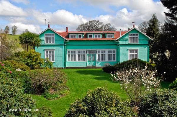 Residencia simétrica alemana en Frutillar sur de Chile