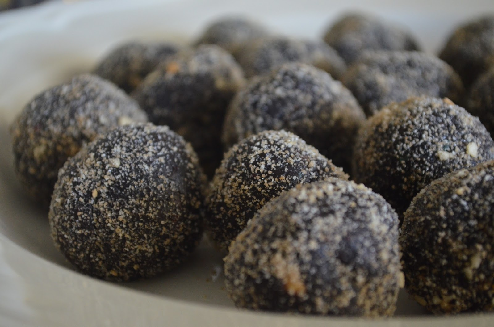 recipe: how to make rum balls with cake [37]