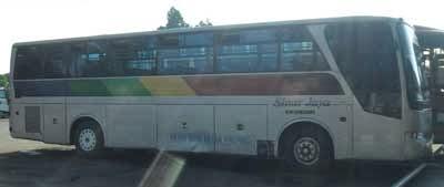 bus sinar jaya melayani jurusan jabodetabek tujuan purwokerto, cilacap, bobotsari, wonosobo, yogyakarta dengan armada bus ac