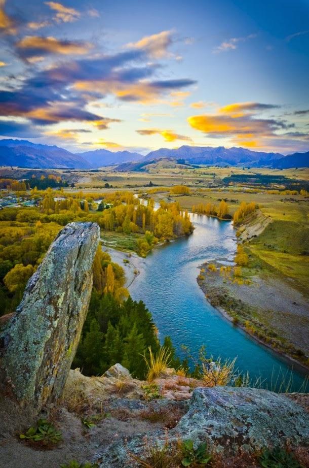 Clutha River, Otago, New Zealand