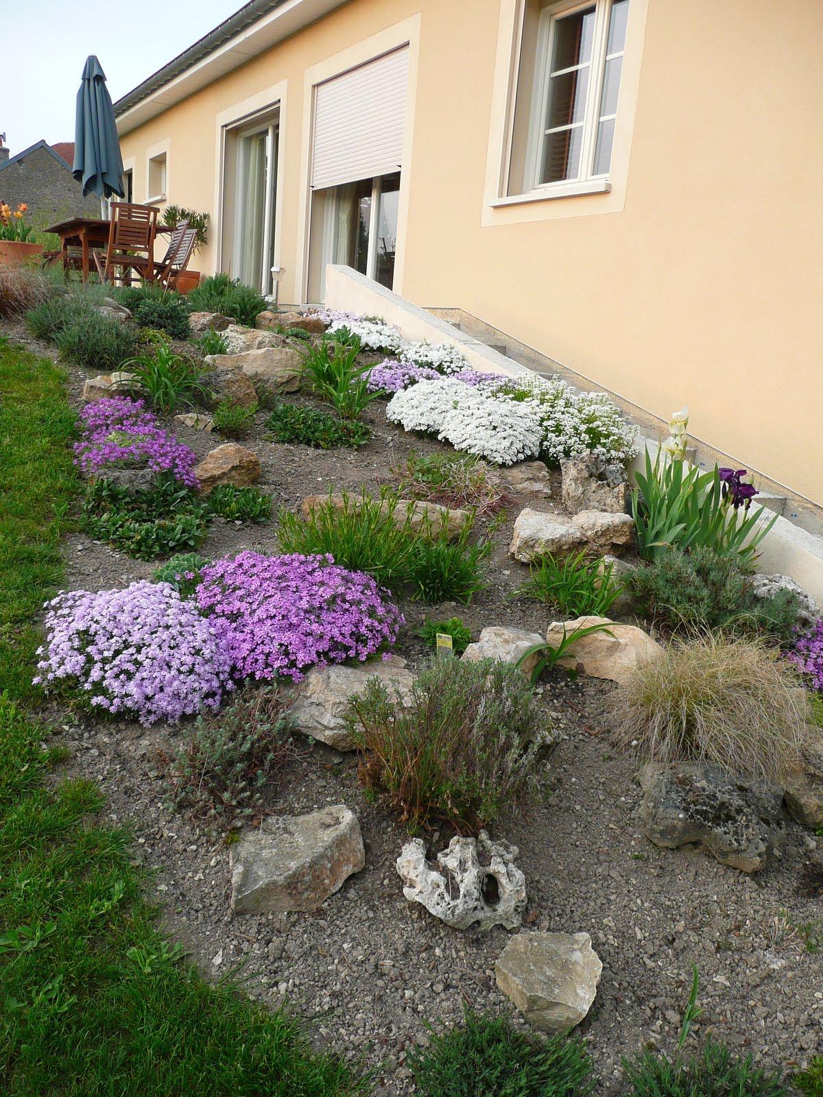 Notre jardin secret la rocaille aux couleurs du printemps for O jardin secret suresnes