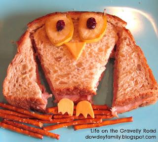 a sandwich that looks like an owl