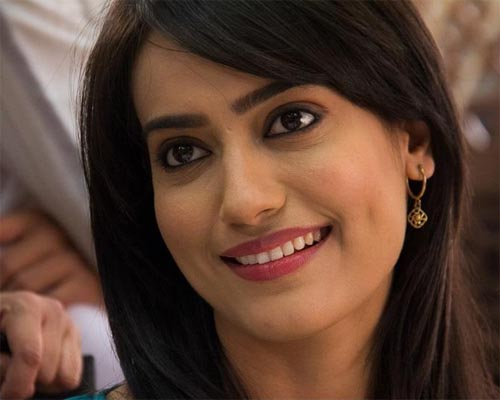 Zee Tv Serial Qabool hai Female Actress Zoeya hd wallpapers is now