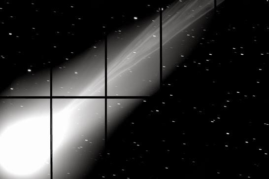 Struktur Ekor Komet Lovejoy yang Rumit