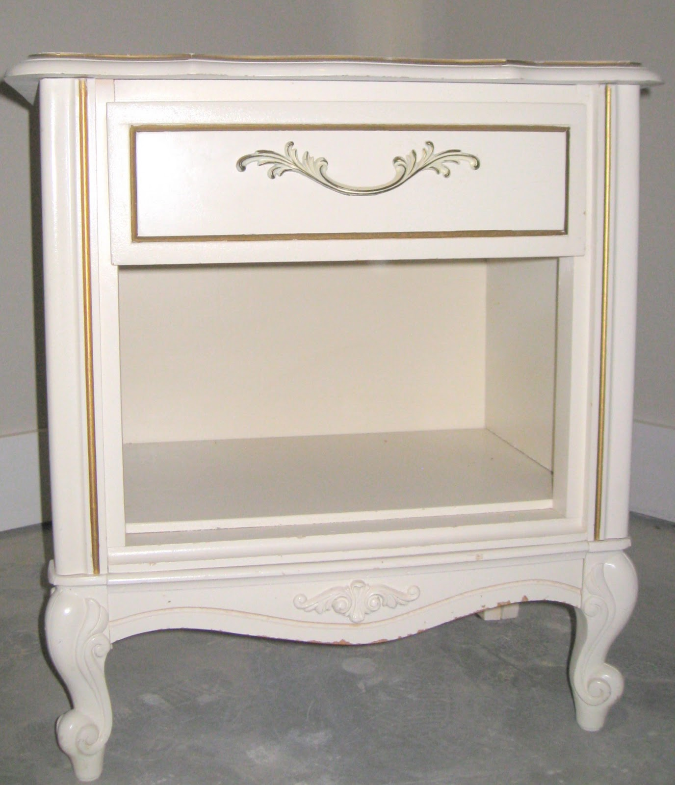 Simply Projects Feminine Nightstand Makeover