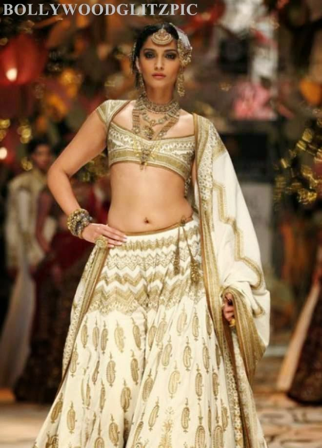 Sonam Kapoor Latest Hot Navel Show Photos Stills Images Pics 1