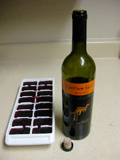 Maggie's Mind Mumbles//: Freeze wine in and ice cube tray