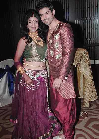 Wedding Reception on Photos   Gurmeet Choudhry Debina Bonnerjee Wedding Reception