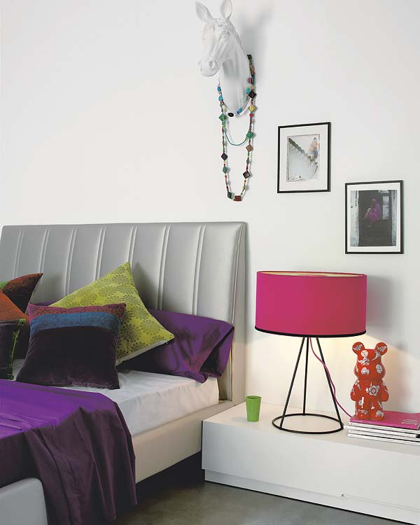 Dormitorios juveniles mesas de noche ideales para la - Mesas para dormitorio ...