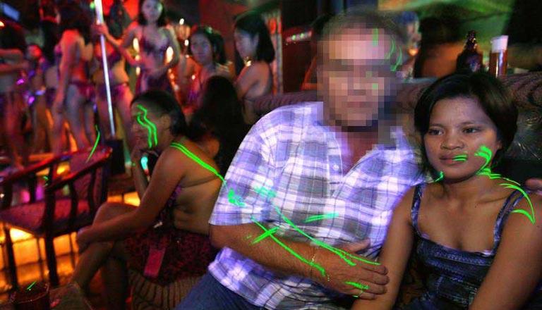 minderjährige prostituierte bilder missionarsstellung