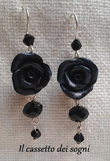 Pendente rose rosse + orecchini vari. Rose+blu+notte
