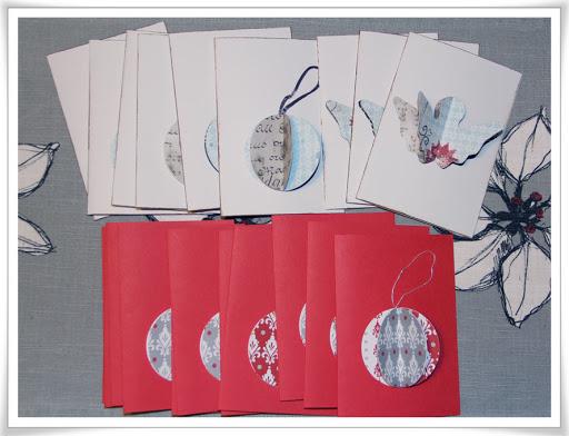 Årets julkort 2012 med tredimensionella julkulor och änglar