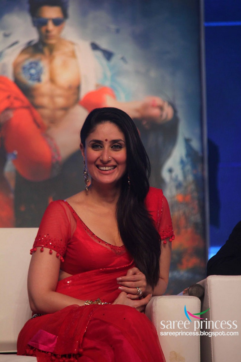 bollywood wallpaper: kareena kapoor in a superhot red saree dancing