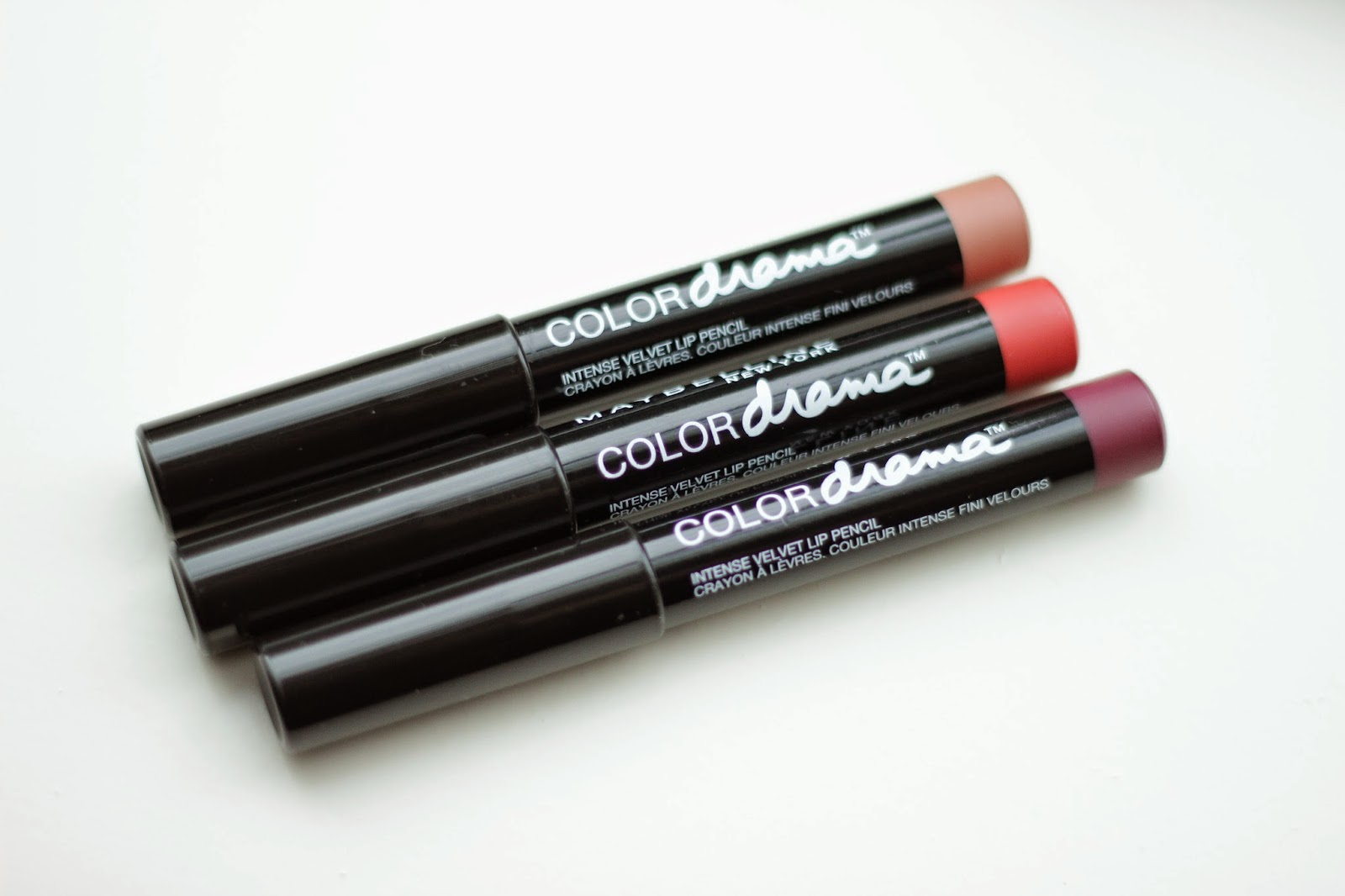 review maybelline color drama intense velvet lip pencil