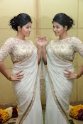 Anjali Glamorous Photos in saree at Geethanjali event-thumbnail-6