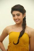Pranitha latest dazzling pics-thumbnail-20