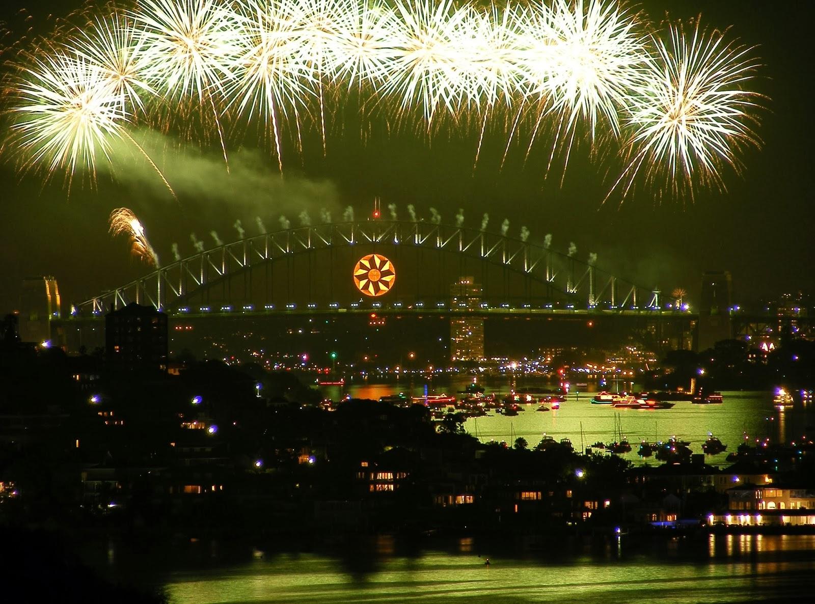 New year celebration in mumbai 2014 new year eve photos - New year celebration at home ...