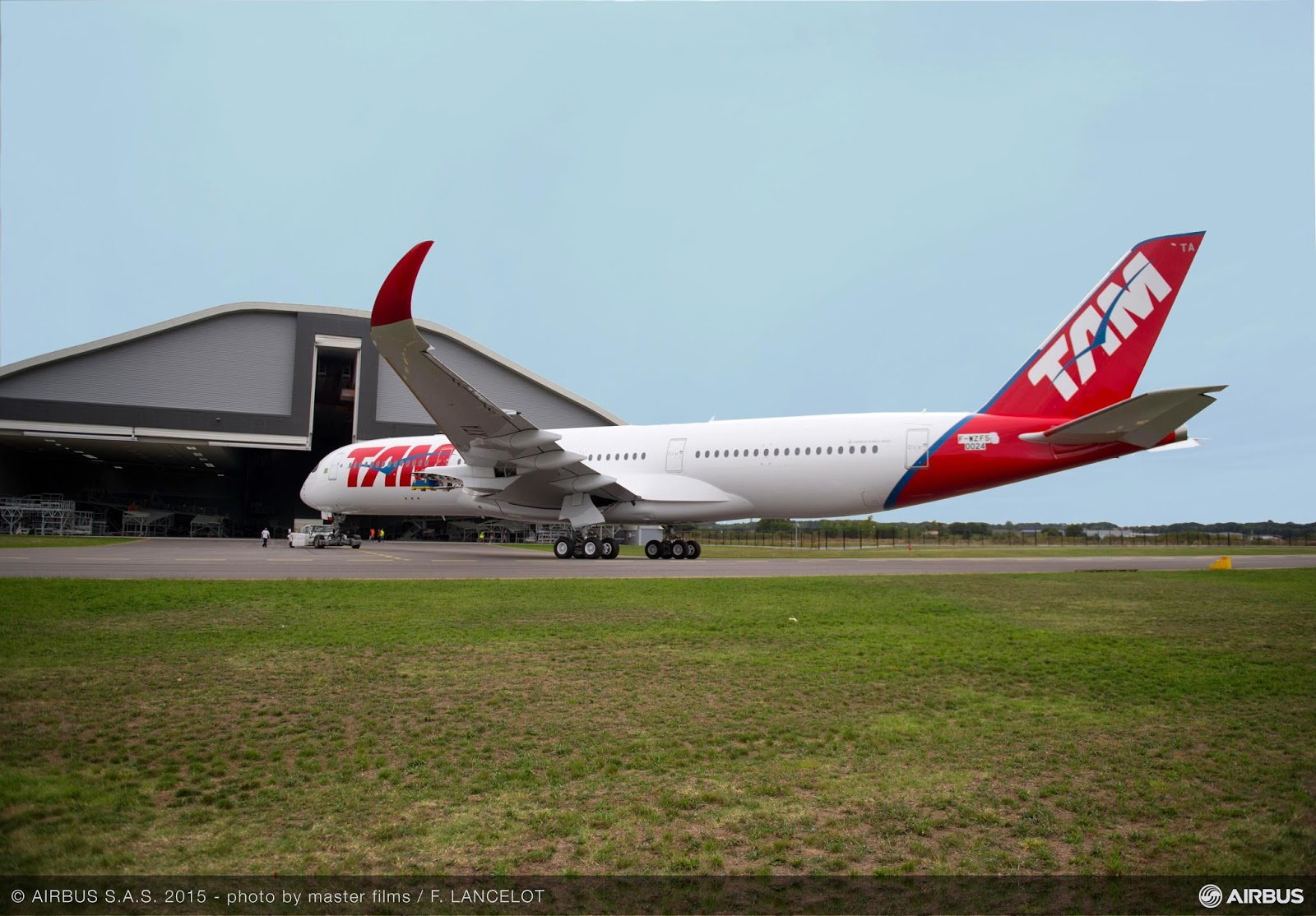 É MAIS QUE VOAR | TAM Airlines reveals their first A350 XWB