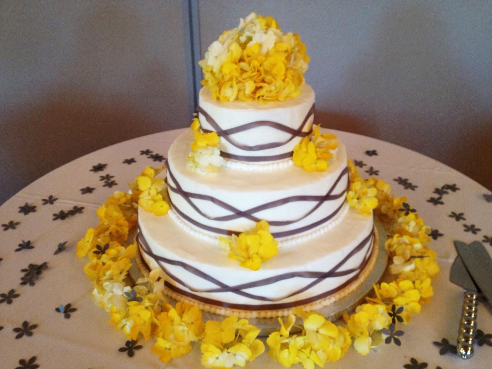 Wedding Cake At Sherwood Community Center Fairfax Va