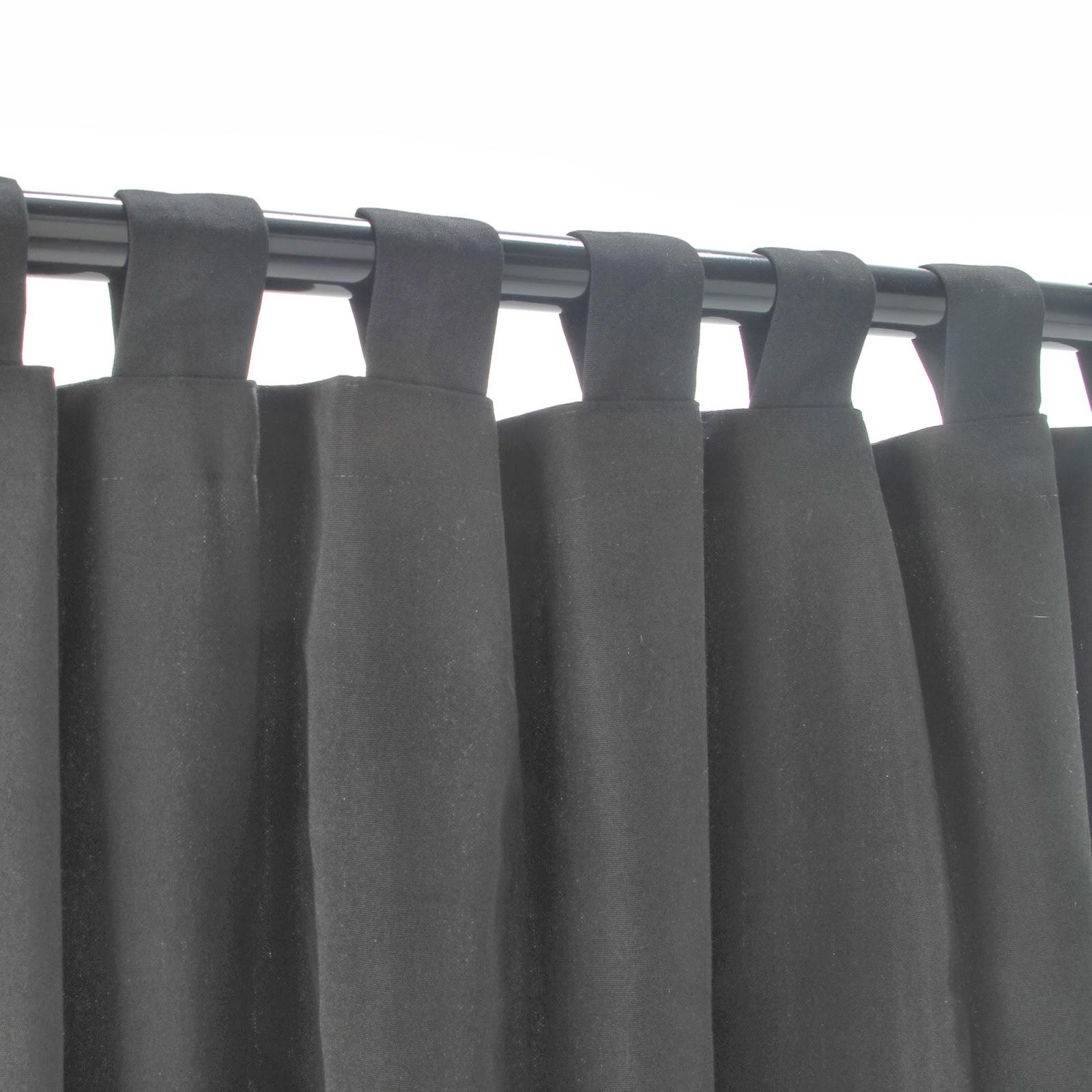 rideau de couleur noir