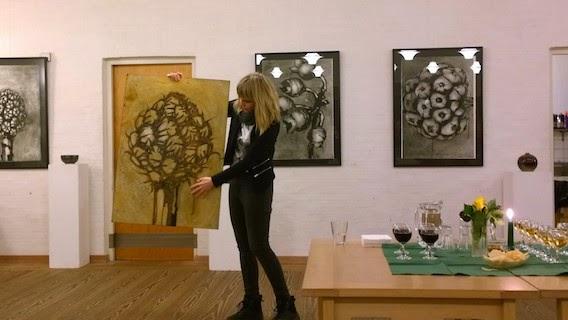 Lene Jelling Holm præsenterer sin grafik