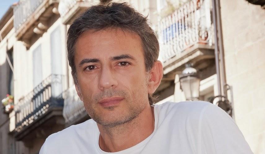 http://letraspropias.com/juan-tallon/