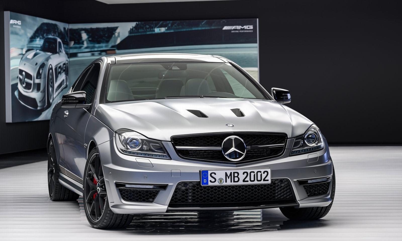 http://4.bp.blogspot.com/--YwUZ10YLJo/UQwhgGI_ekI/AAAAAAAADvE/XEpFMlvpRbM/s1600/Mercedes-Benz-C63-AMG-Edition-507-2014.jpg