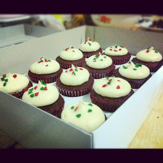 red velvet cupcakes holiday