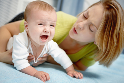 لماذا يبكي الاطفال بكاء الطفل