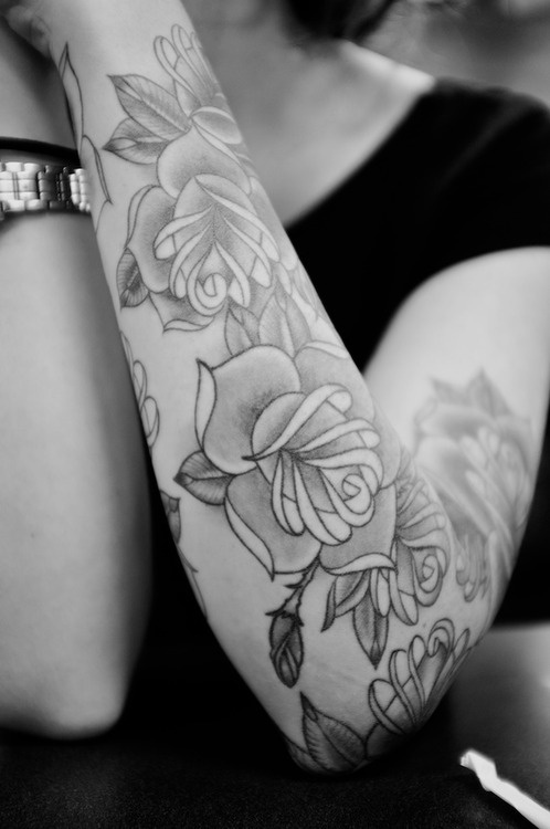 Arm sleeve tattoos women fashion and lifestyles for Forearm flower tattoos