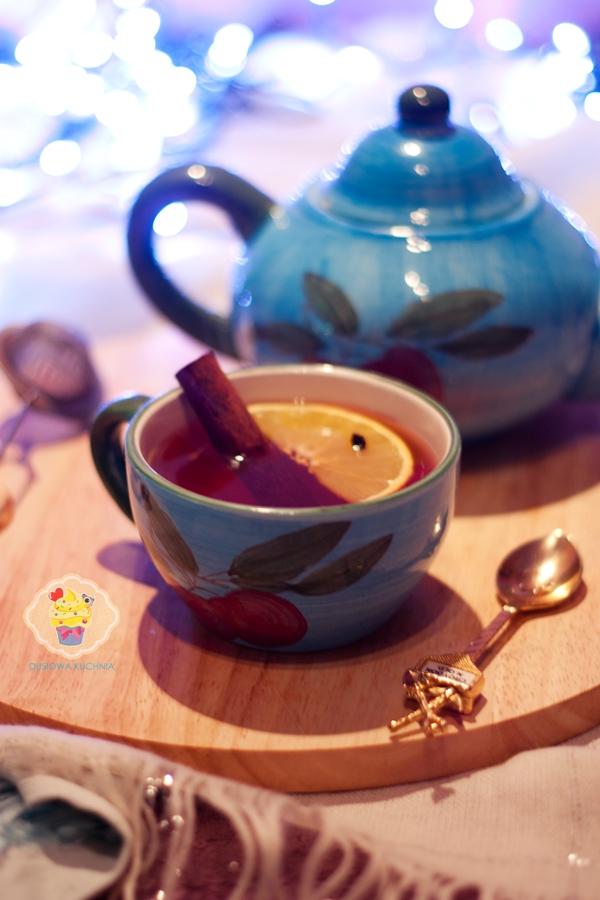 herbata z imbirem, herbata z goździkami, herbata na zimę, herbata rozgrzewająca przepis, przepis na herbatę z miodem
