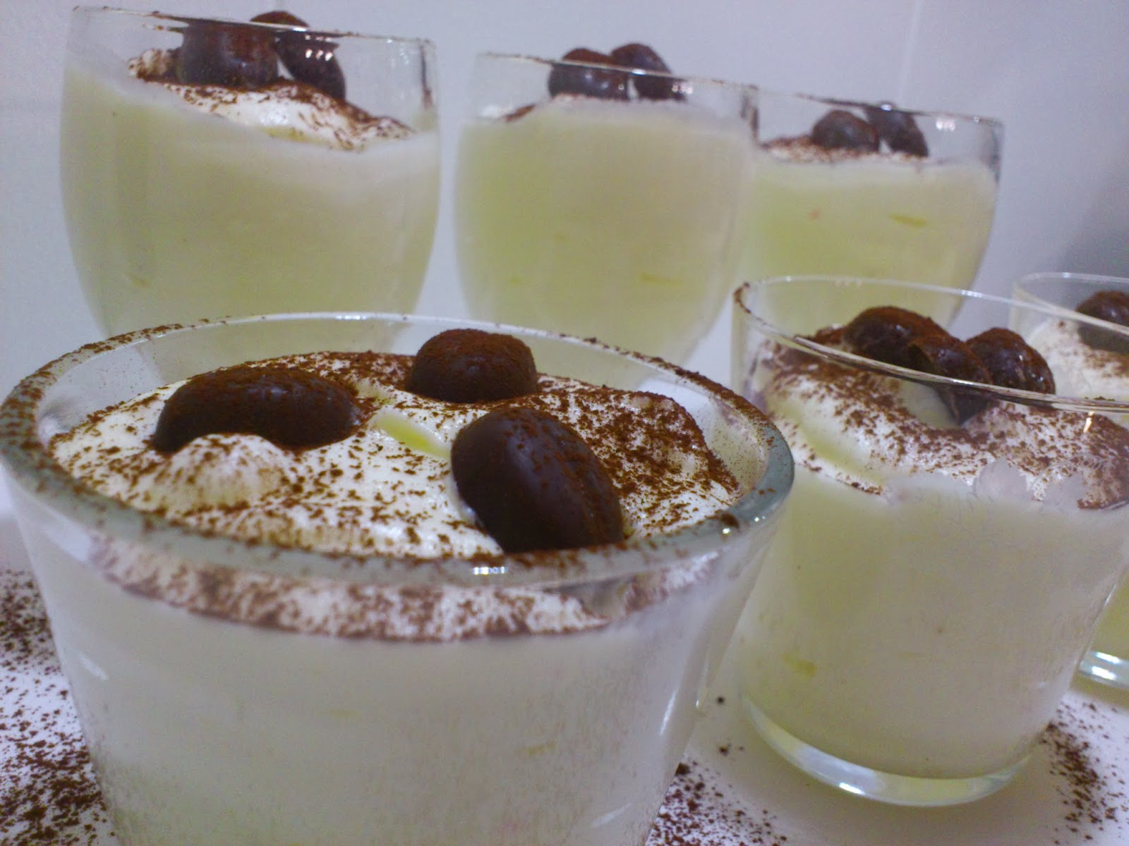 Hvit sjokolademousse