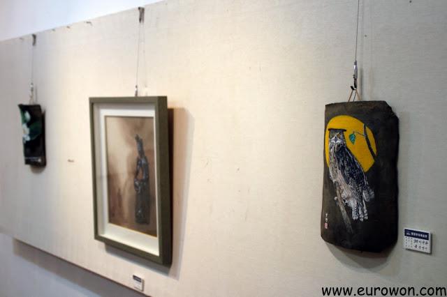 Cuadros a la venta en el Centro Artístico Mooee de Gangwon-do