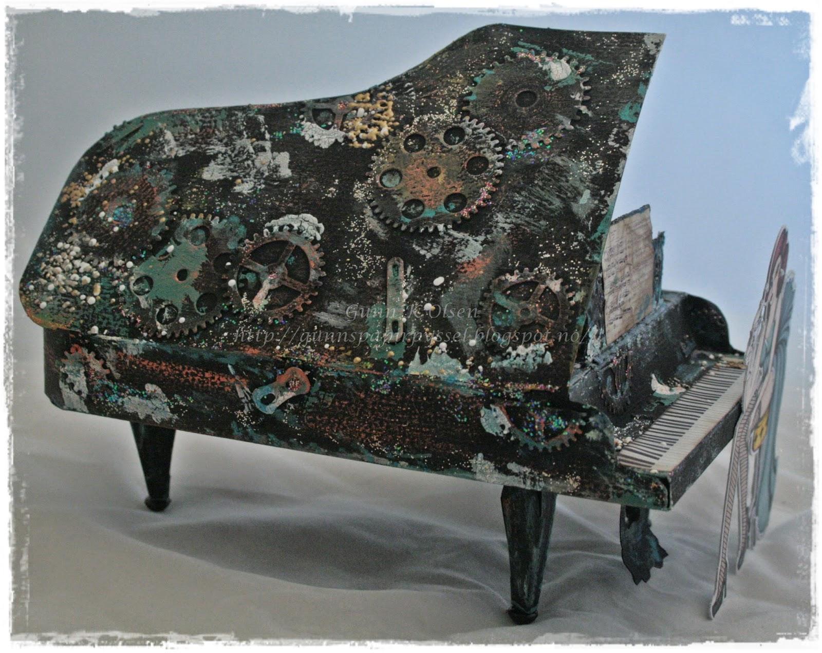 http://gunnspapirpyssel.blogspot.no/2014/05/et-piano-til-konfirmanten.html