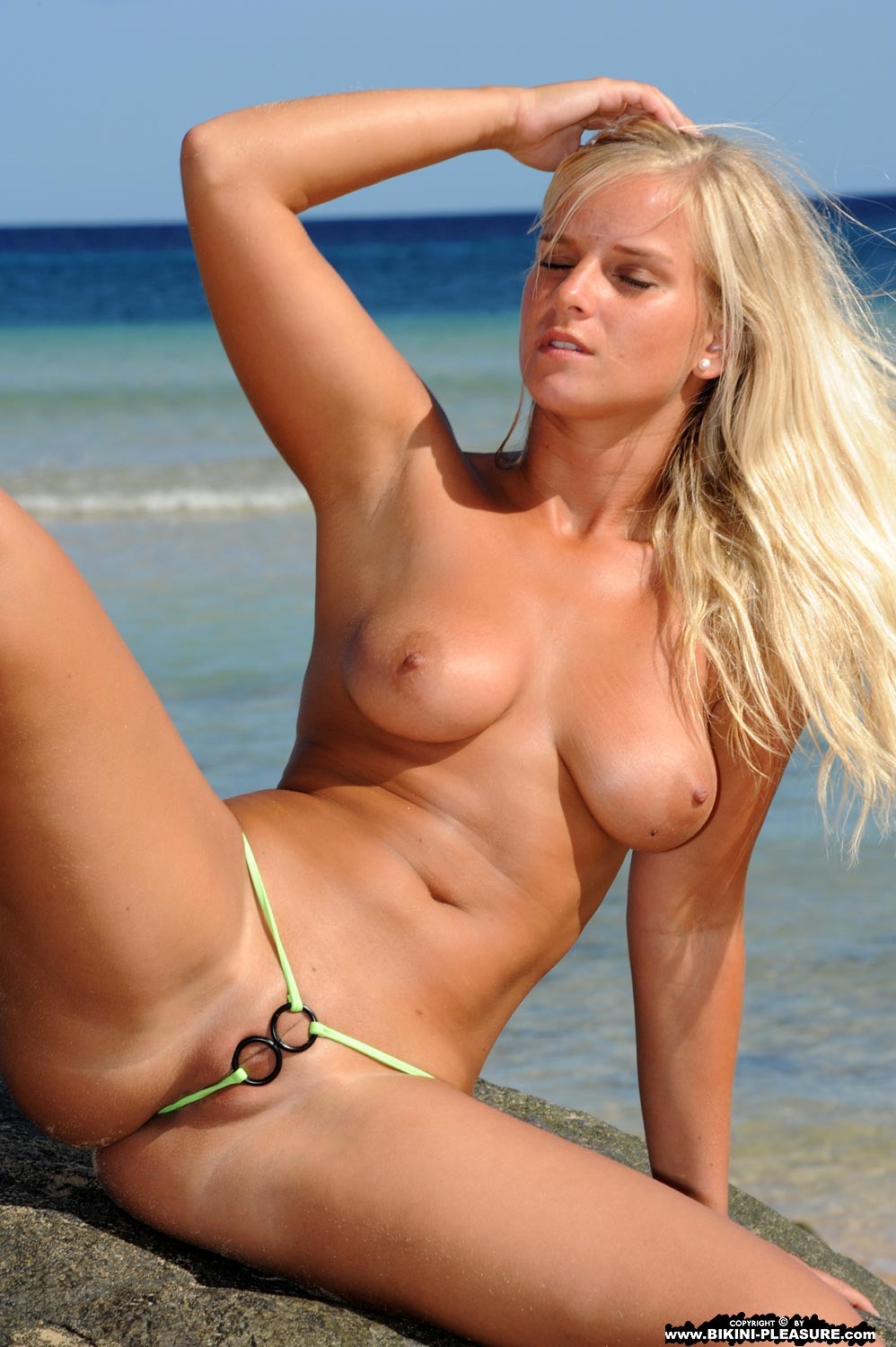 Bikini gallery hot model