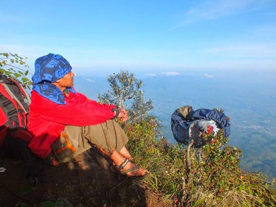 Pemandangan Indah Di Gunung Cikuray Garut Jawa Barat